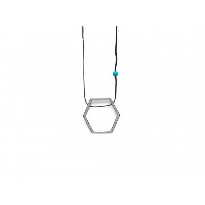 Κρεμαστό μεταλλικό Εξάγωνο σε Ασημί χρώμα με μπλέ χάντρα