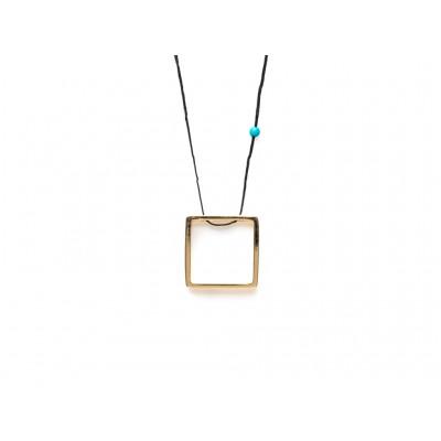 Κρεμαστό μεταλλικό Τετράγωνο σε Χρυσό χρώμα με μπλέ χάντρα