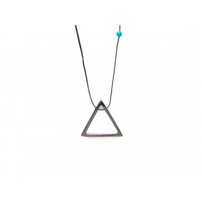 Κρεμαστό μεταλλικό Τρίγωνο σε Ασημί χρώμα με μπλέ χάντρα